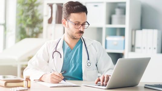 Medico computer Telemedicina